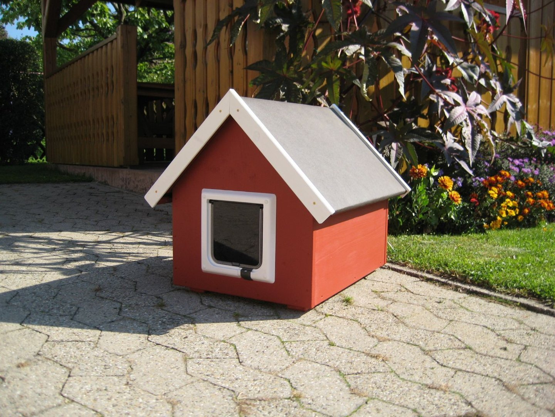 katzenhaus spitzdach farbe schwedenrot katzenhaus. Black Bedroom Furniture Sets. Home Design Ideas