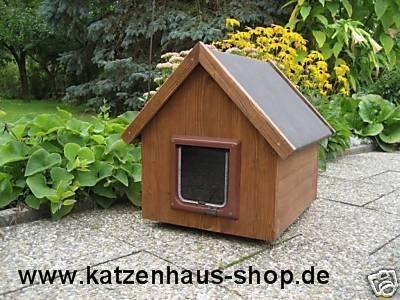 katzenhaus spitzdach farbe nussbaum katzenhaus wetterfest f r drau en. Black Bedroom Furniture Sets. Home Design Ideas