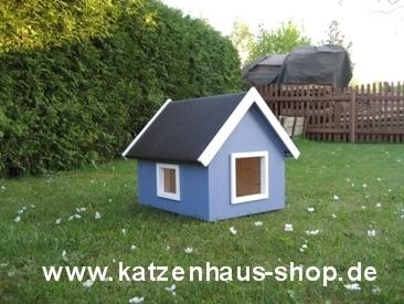 katzenhaus spitzdach farbe taubenblau katzenhaus. Black Bedroom Furniture Sets. Home Design Ideas