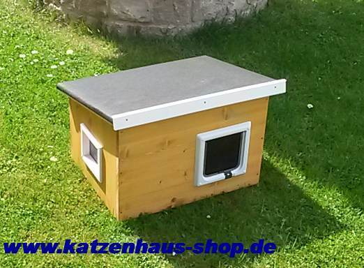 katzenhaus flachdach farbe kiefer weiss katzenhaus wetterfest f r drau en. Black Bedroom Furniture Sets. Home Design Ideas